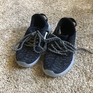 NWOT Light Up Kids Shoes